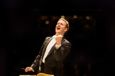 Michael Francis ConductorPhoto: Marco Borggreve