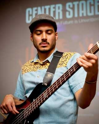 Ulises Amaya Guitar and Bass Instructor