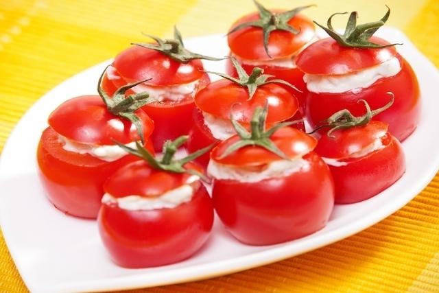 Tomates recheados Low Carb