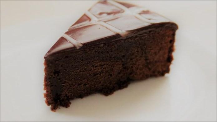Bolo de ganache de chocolate