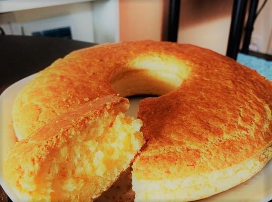 Bolo de pão de queijo simples e fácil