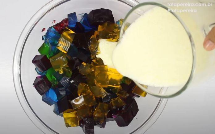 fazendo gelatina colorida