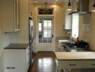 central_galley_kitchen_1.jpg
