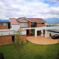 Venta casa en Altos de Yerbabuena, en Chía, en conjunto Horizontes Reservado