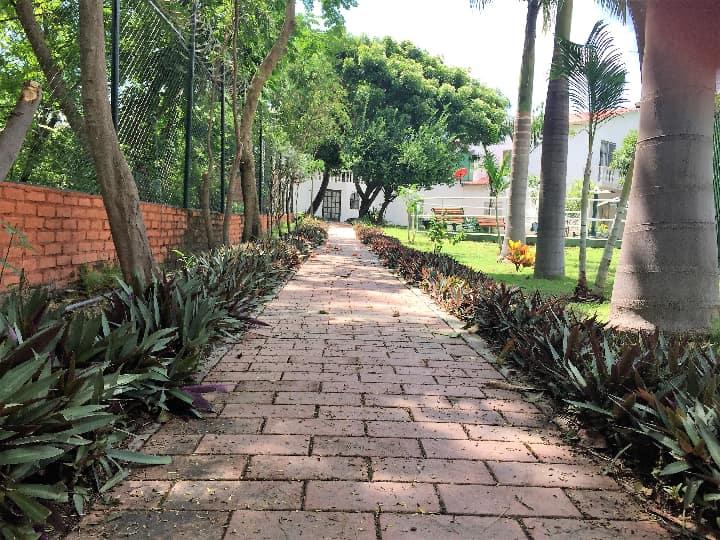 Venta casa en urbanización campestre en Girardot caminos peatonales
