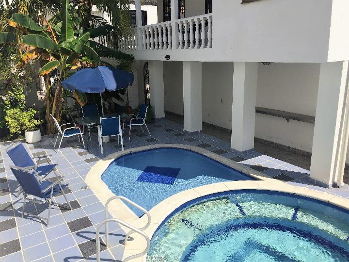 Venta casa en urbanización campestre en Girardot piscina