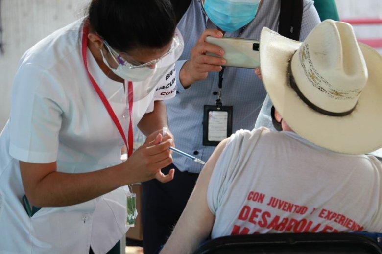 vacunación contra Covid-19 en Puente de Ixtla