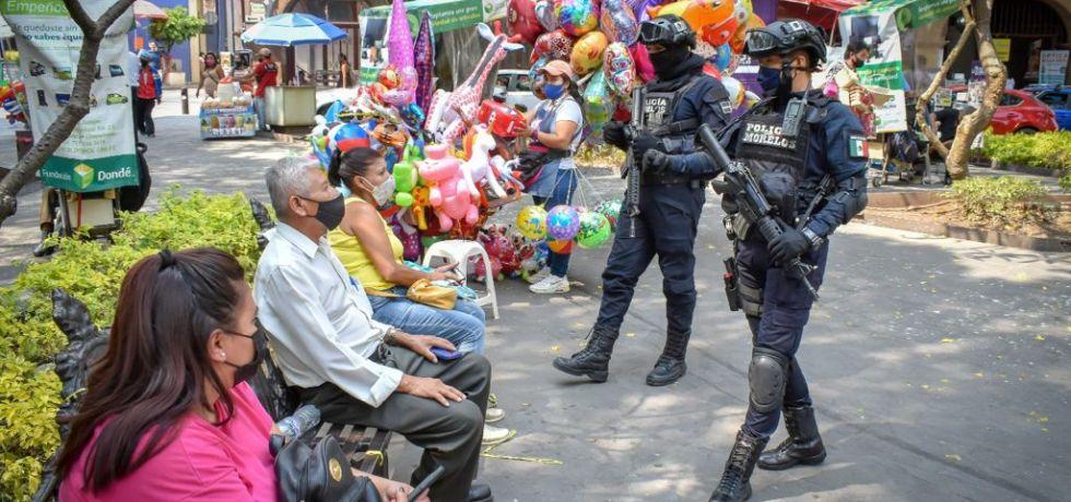 Policías de Morelos recorren las calles de Cuernavaca como parte del Operativo Fiestas Patrias 2021