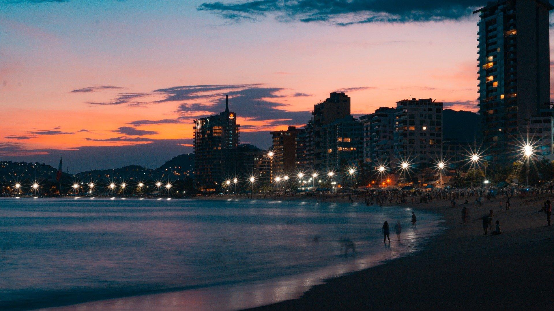 Atardecer en la Playa de Acapulco Guerrero