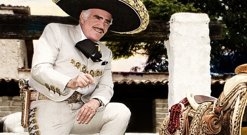 Vicente Fernández está estable de salud según versiones de su familia