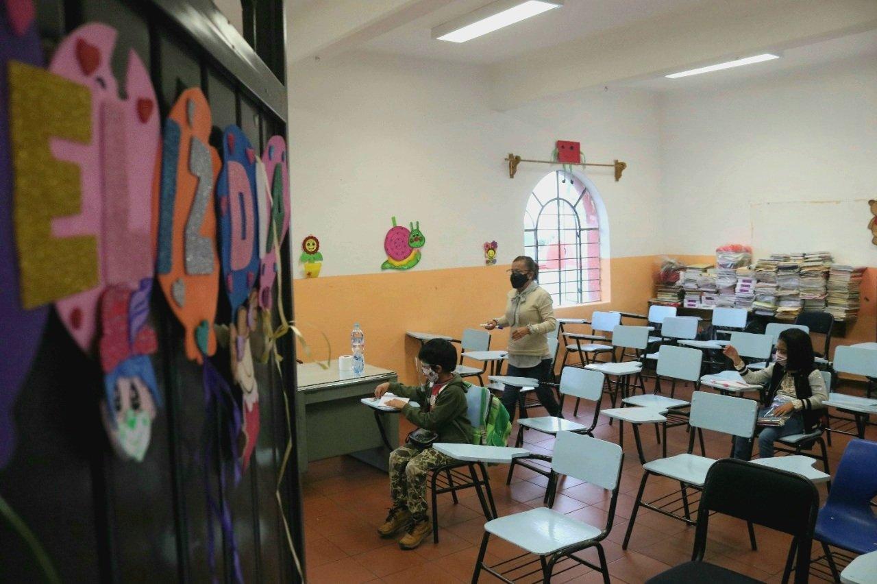 Por contagios de Covid-19 permanecen cerrados 30 salones de clases en Morelos