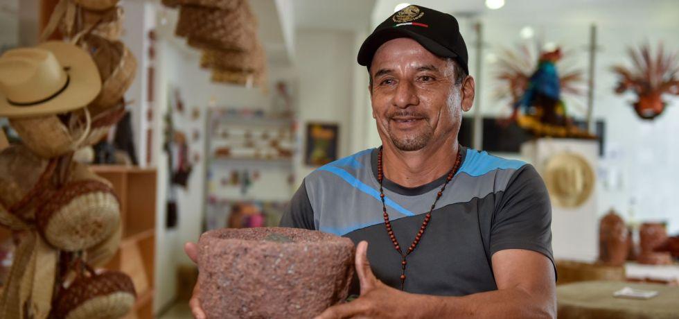Agradecen artesanos de Morelos promoción de su trabajo