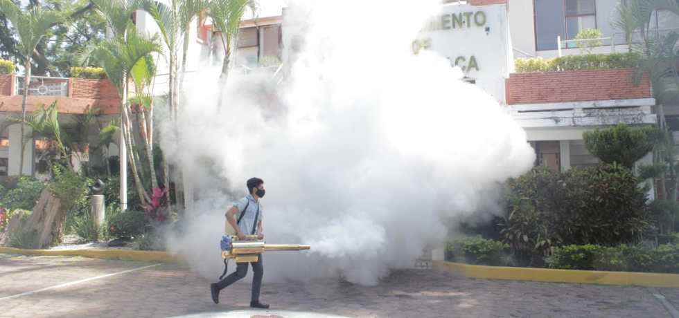 Desinfectan oficinas de Papagayo y Tesorería de Cuernavaca
