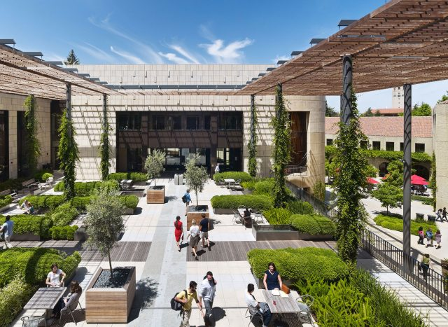 Stanford Law School (SLS)