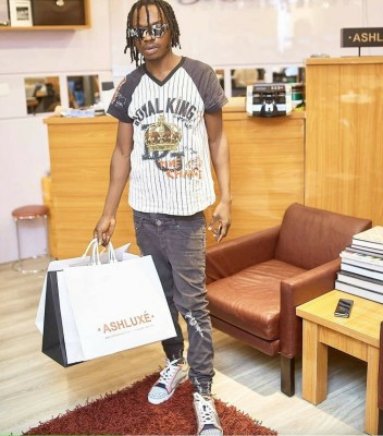 Naira Marley is a graduate - Entertainment and Gist blog in Nigeria
