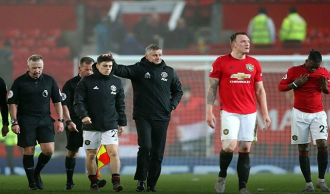 Manchester United fall - Sport and News blog in Nigeria