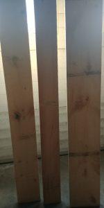 bois de pin brute