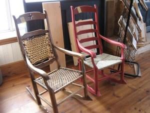 chaise bercante en pin