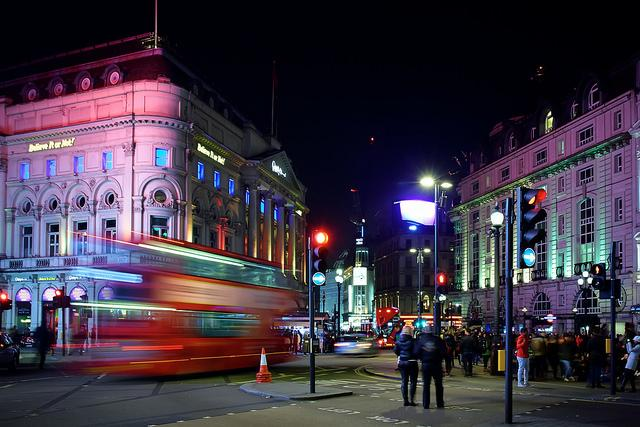 Piccadilly+Circus+at+Night