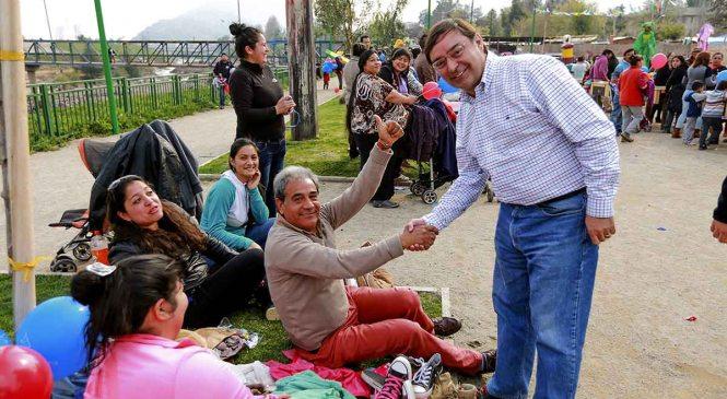 """""""Lo Barnechea Solidaria"""": Felipe Guevara y su iniciativa."""