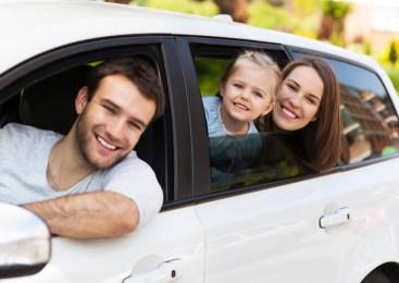 Beneficios de arrendar un auto para viajes familiares