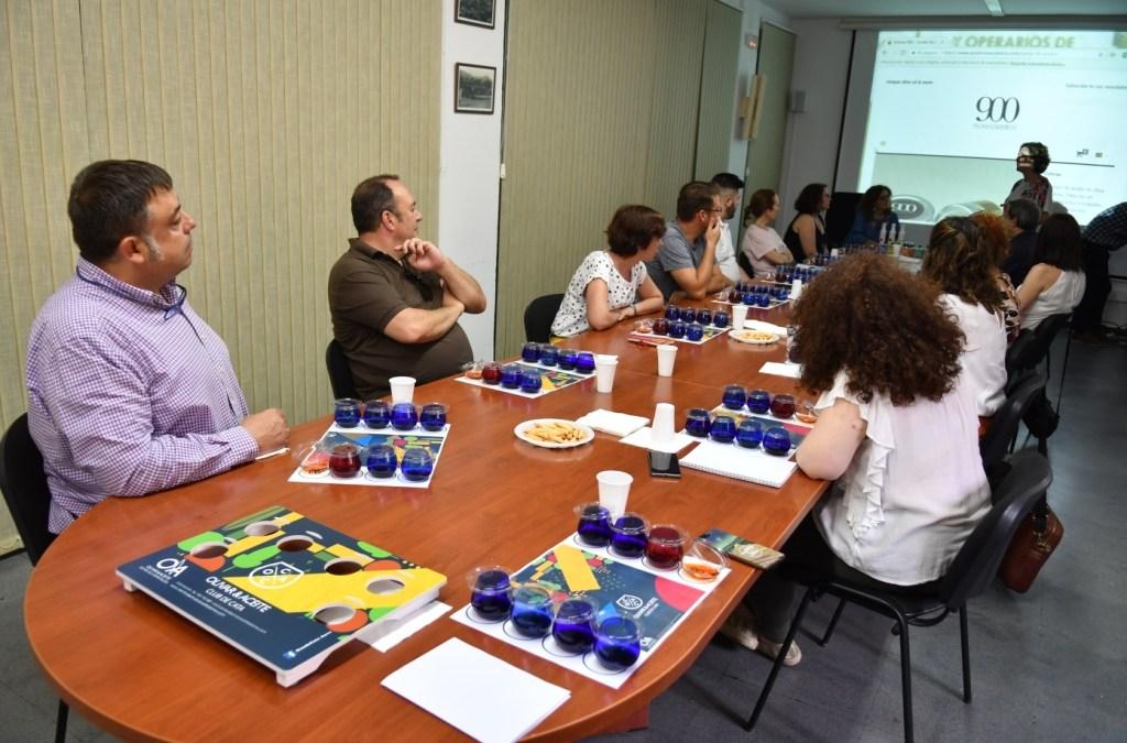 SESIÓN DEL CLUB DE CATA 'OLIVAR & ACEITE': ACEITE AROMATIZADO