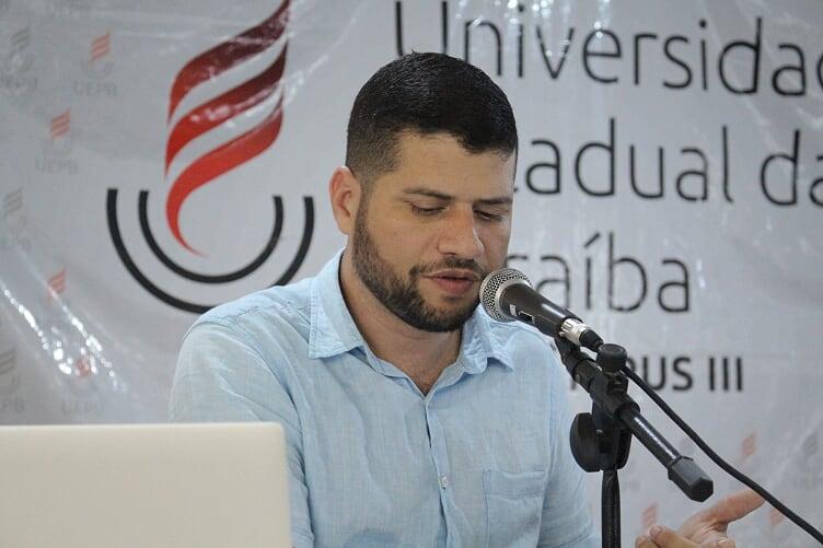 """evento3 - Editora do Polêmica Paraíba participa de debate """"A internet e o futuro da Democracia"""" no campus da UEPB em Guarabira"""