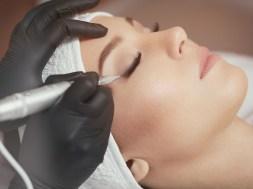 Makijaż permanentny jako sposób poprawiania urody