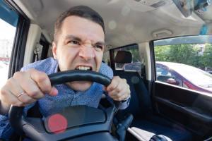 Stres w pracy zawodowych kierowcow – jak go minimalizowac