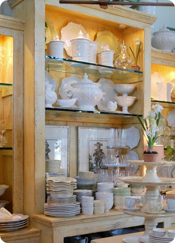 vintage home wihte ceramics