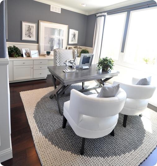 gray and white office x leg desk