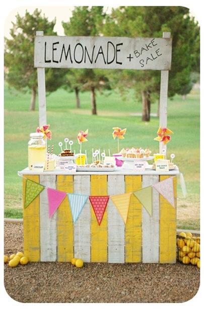 lil luna vintage lemonade stand via ucreate