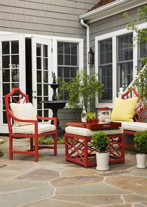 Create An Inviting Outdoor Conversation Area