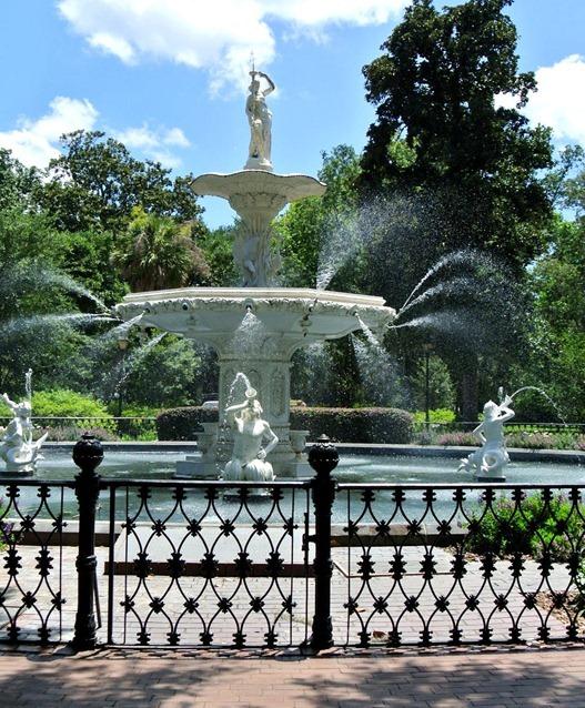 downtown savannah fountain