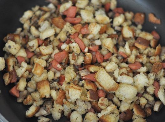 crouton sausage mushroom
