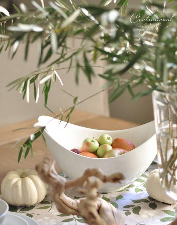 apples in white bowl