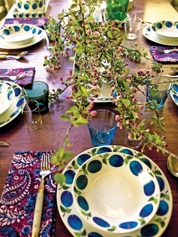 purple and blue place setting