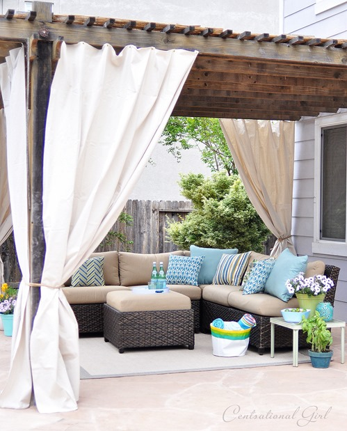 outdoor-room-with-canvas-panels.jpg