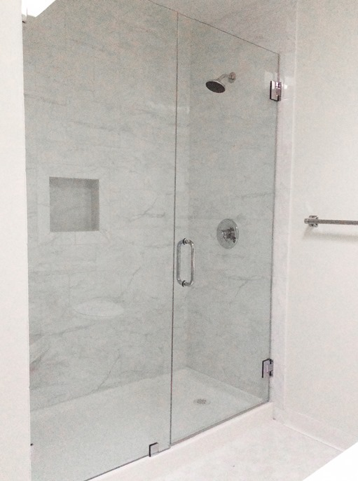 Cool tiled walk in shower