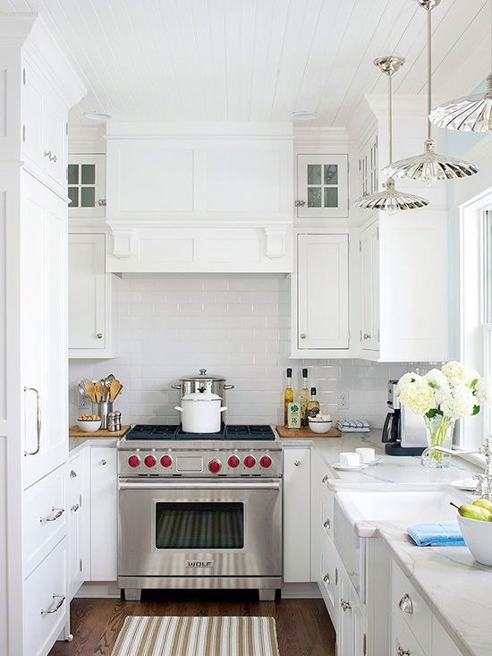 Kitchen range hood options centsational style - Kitchen hood under cabinet ...
