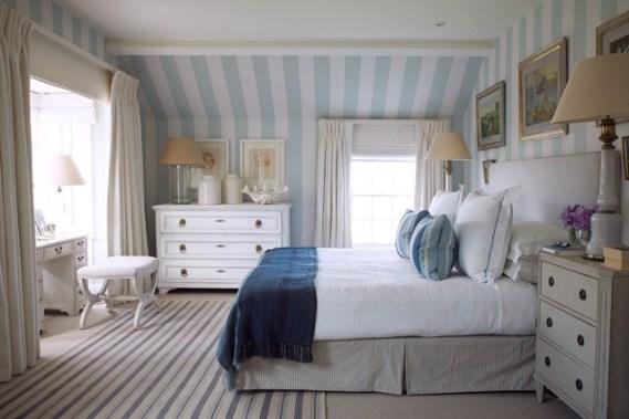 ropa de cama de color azul y blanco