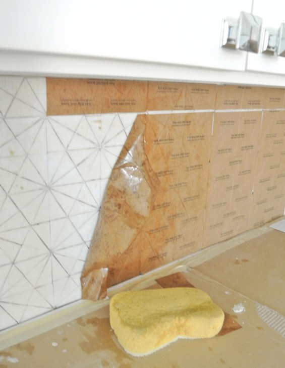 installing glass tile backsplash