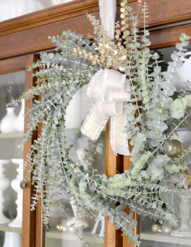 euc wreath on hutch