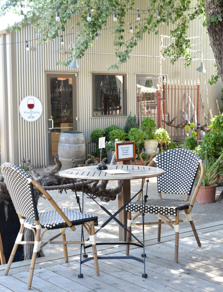 wine country bistro seating