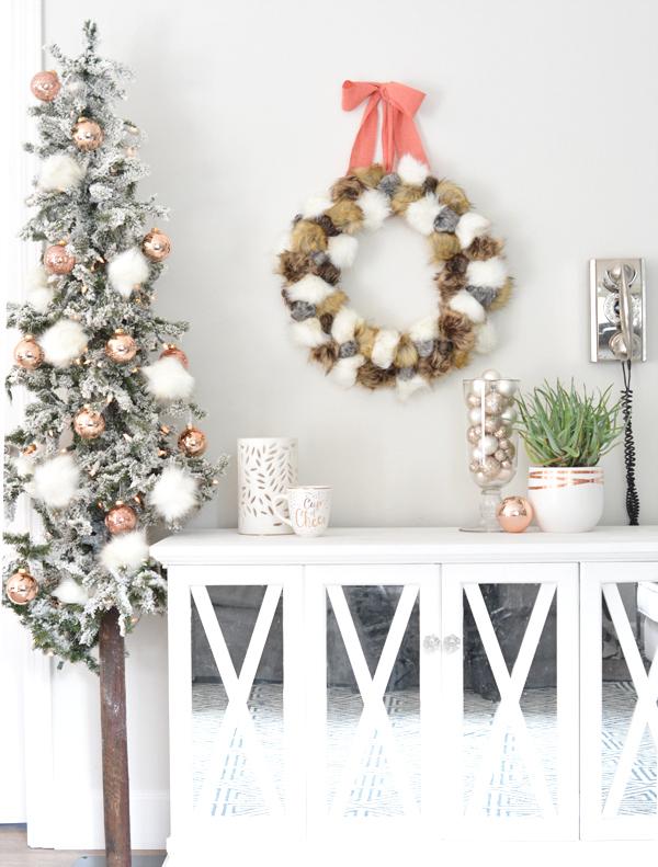 faux-fur-pom-pom-wreath