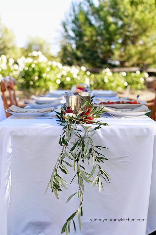 olive-branches-adn-pomegranats