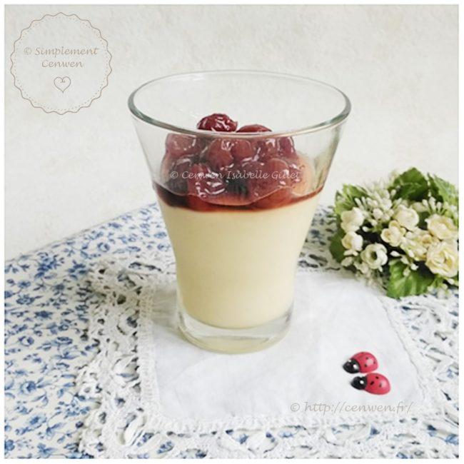 Petits pots au lait d'amande et aux cerises confites