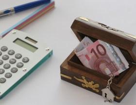 """Challenge Alimentaire """"Fins de mois difficiles"""" : menus, recettes et conseils pour bien manger même quand son porte-monnaie est vide et sauver son budget !"""
