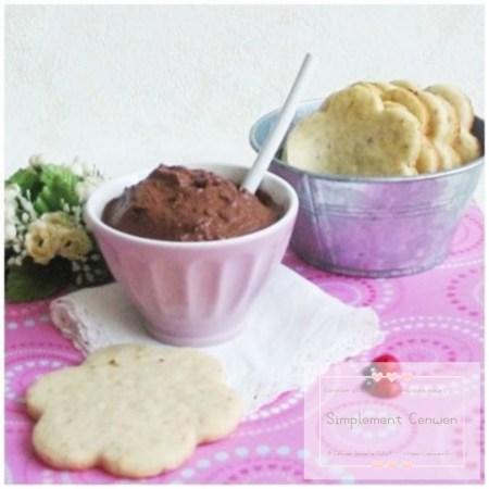 Biscuits sablés à la vanille aux noisettes et graines de sésame doré