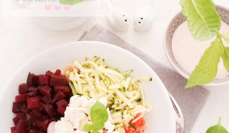 Buddah Bowl au blé, courgette, radis, betterave et feta
